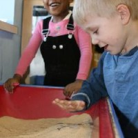 boy_and_girl_in_sandbox